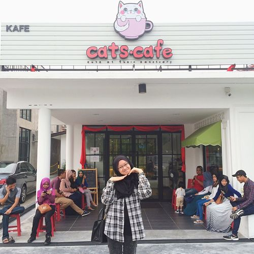 cats cafe 😻