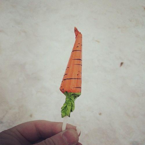 Зонтик морковка