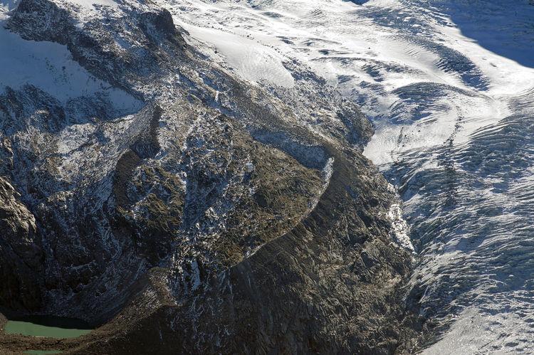 Monte Rosa - Zermatt - Schweiz 🇨🇭 Beauty In Nature Crevasses Glacier Glaciers Melt Lake Majestic Monte Rosa Moraine Moraine Lake  Mountain Mountain Range Nature No People Outdoors Rocky Scenics Schweiz Swiss Alps Switzerland Tranquil Scene Wallis Zermatt