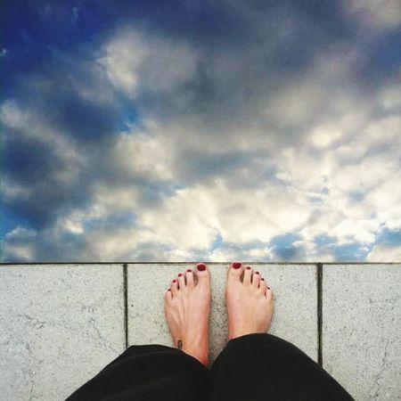 Fuß Barfuß Foot Feets Feetselfie Himmel Himmel Und Wolken Sky Sprung Jumping Jump Springen No Shoes Two Is Better Than One