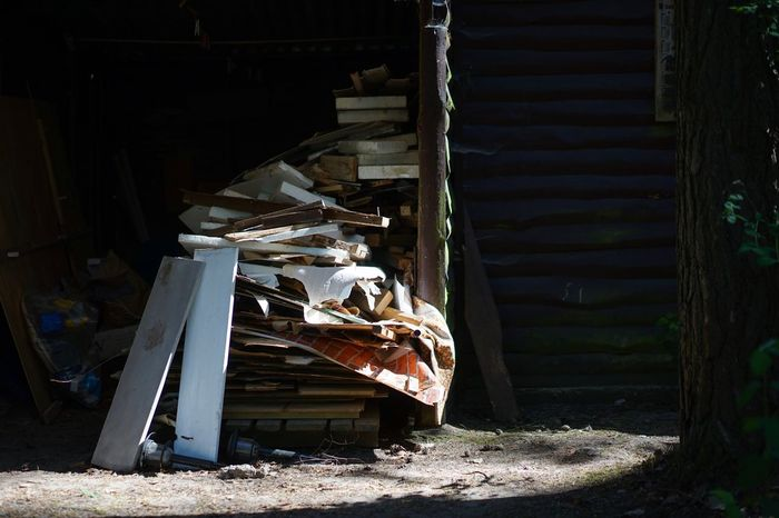 Sommerhaus, später, später Afternoon Light Building Site Renovation Damaged Abandoned Architecture Built Structure Decline No People Obsolete Deterioration Broken Building Run-down Bad Condition Old Sunlight Day Weathered Ruined