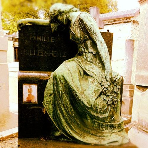 Once.... [Lachaise - Paris 2011] Death Pere 2011 Lachaise Iphonesia Instagram Graves Followme Iphonography Instamood Summer IGDaily IPhone Instagood Paris Instaaaaah France Instagramhub Colors Webstagram X Instadaily Dead Instagrammers Travel Instacool