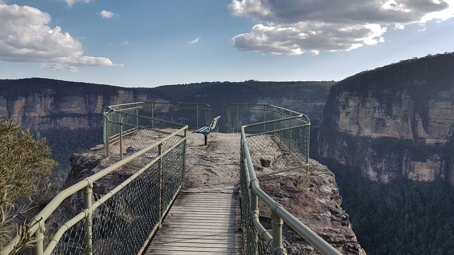 Pulpit Rock Lookout, Blue Mountains Natl Park, Australia #travelphotography #tranquillity #eyembestshot #NoFilter #photography #EyeEmNewHere #eyembestshot #eyeemphotography #EyeEmSelects #EyeEm Nature Lover #eye4photography # Photooftheday #mountains #hiking #bluemountains #nsw #australia #sydney #pulpitrocklookout #likeforlike #likemyphoto #qlikemyphotos #like4like #likemypic #likeback #ilikeback #10likes #50likes #100likes #20likes #likere #sydney #blackheath