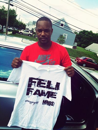 Cam'ron holding down the SittinOnMusic feli fame Mnds Movement Rapper Hip-Hop