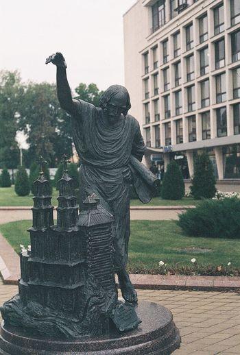 Minsk Belarus Sculpture Film Photography Filmisnotdead Kiev4 Helios103 Agfaapx100