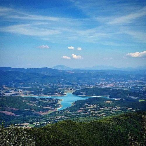 Lago di Montedoglio, Sansepolcro, Tuscany, Italy. Photo taken with DJI Inspire 1. Awesome... Lagodimontedoglio Montedoglio Sansepolcro Tuscany Toscana Visitarezzo Italy Italia Djiinspire Djiinspire1 Dji Travel Italygram Lake Tuscanypeople
