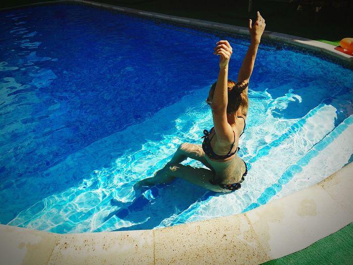 бассейн солнце☀ отдых 😊✌️