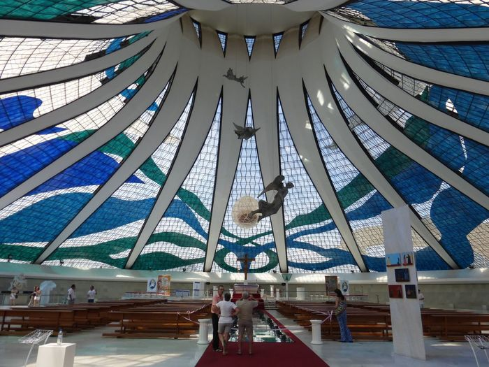 Brasília Brazil Church Indoors  Architecture Real People People Kirche Brasilien Fenster Bunte Fenster Kirche Licht Durch Glas Bunte Frenster Lichtdurchflutet Moderne Architektur Großer Raum Kirchenfenster Day Men Art Is Everywhere The Secret Spaces