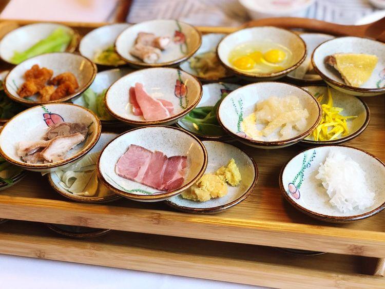 蒙自官房酒店过桥米线配料 Plate Variation Food And Drink Choice Lunch Freshness Indoors  Healthy Eating First Eyeem Photo