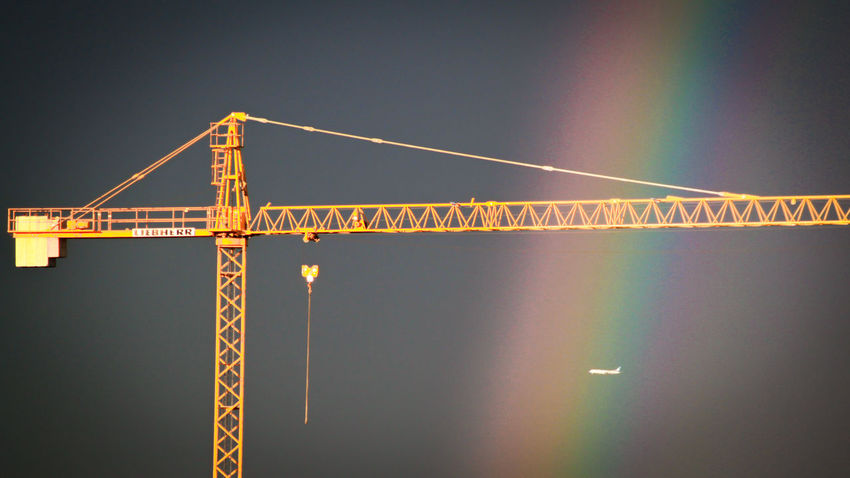 Crane - Construction Machinery Construction Site Outdoors No People Industry Day Rainbow Arcoiris Grua Plane Avion Crossing Landing EyeEm Gallery Check This Out Eyeemadrid Malephotographerofthemonth Catch The Moment Neon Life EyeEmNewHere EyeEm Selects Breathing Space Investing In Quality Of Life Paint The Town Yellow Been There. Business Stories Colour Your Horizn The Creative - 2018 EyeEm Awards
