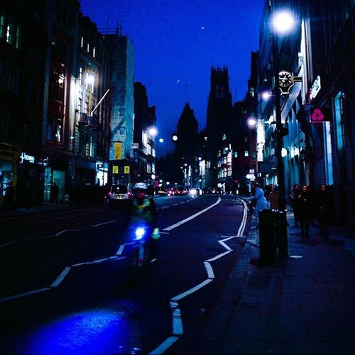 Post-ecliptical lunacy. Fleetingmoments Fleetstreet Streetphotography Londonstreets Eclipse Cityscape Cityoflondon Londonbynight Nightphotography Kodakektar Leicauk Leica 35mm Analoguephotography Londondaily Forgottenrivers