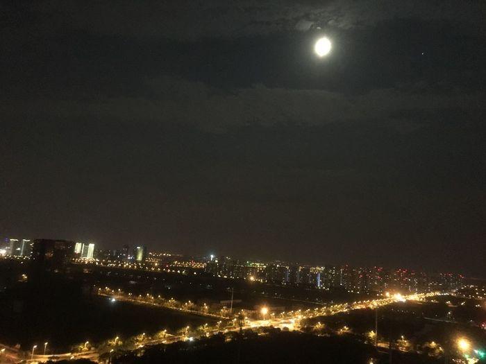 城里的月光