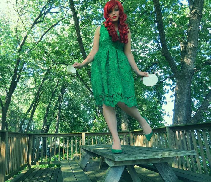 Hey guys. Wanted to show you this dress, shoes and wig was all given to me you guys! Love the photoshoot i did with it! Tea Cup Hanging Out Cosplay Poison Ivy Taking Photos Check This Out That's Me Fashion 50s Style Embers0ashes Photography
