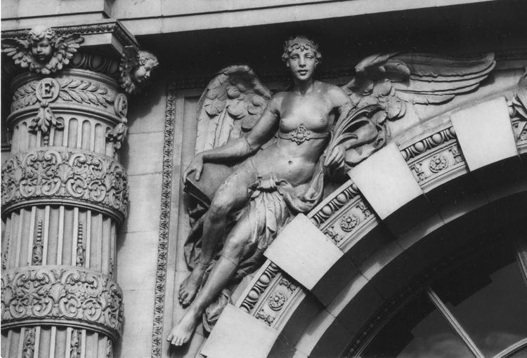 Artistic Architecture Detailed Architecture Female Likeness Human Representation Intricate Details Intricate Photography No People Sculpture