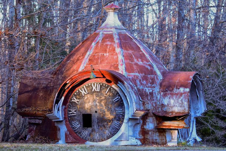 Abandoned Clock