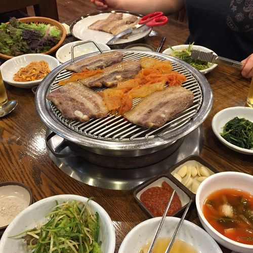 Very nice dinner with my coworkers!! Grilledpork Samgyubsal Food Hanging Out Yummy Seoul, Korea