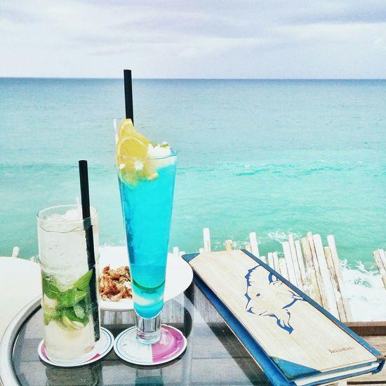 log off, lemon in & find your beach ^.^ Life Is A Beach Beach Tadaa Community EyeEm Best Shots Mobilephotography Vscocam The Traveler - 2015 EyeEm Awards