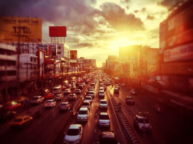 Ngamwongwan Road Ngamwongwan Nonthaburi Ngamwongwan Nonthaburi City Sky Built Structure Transportation Street Traffic City Life City Street Sunset Cloud - Sky Motor Vehicle