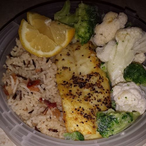 Mealprep Broiledswaifish Cauliflower Broccoli brownbasmatirice eatclean healthy fitness fitfam fitmom workout