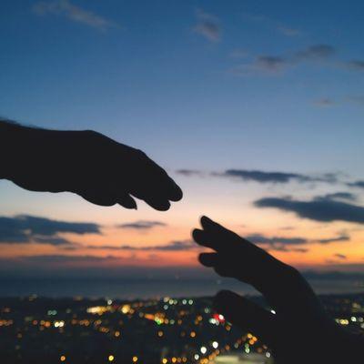 |Bond| Tones Igmasters In_athens Igathens iggreece Athens sky shotonmylumia sunset sunsetpics hands bond colors Greece huffpostgram justgoshoot Lumia Lumia1020 silhouette lumiasilhuette vsco vscocam vscogreece nature natureaddicted Mediterranean @nothingbutanokia @nokiauk @nokia @_connects @vsco_greece @vsco @nature