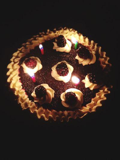I'm Very happy 😀is my birthday 🎂💕🎈🎉💐🍻 Relaxing Enjoying Life Decoration Cake Birthday Birthday Cake Happy Happy People Love Happy :)