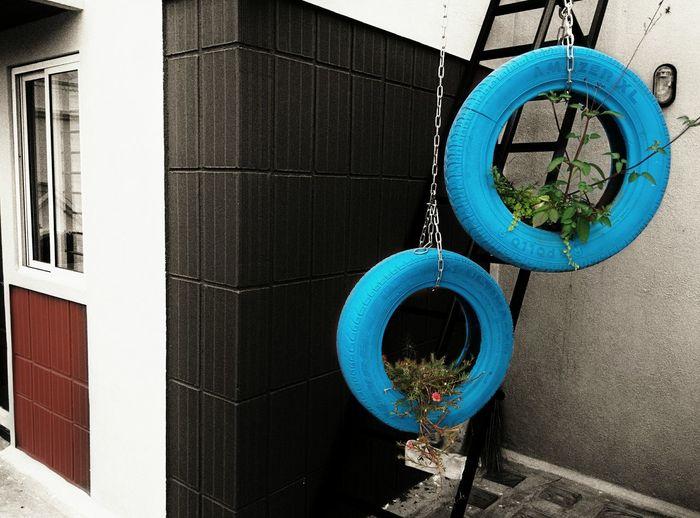 Scrap Art Building Tyre Selective Color Noir Snapseed Nexus 5