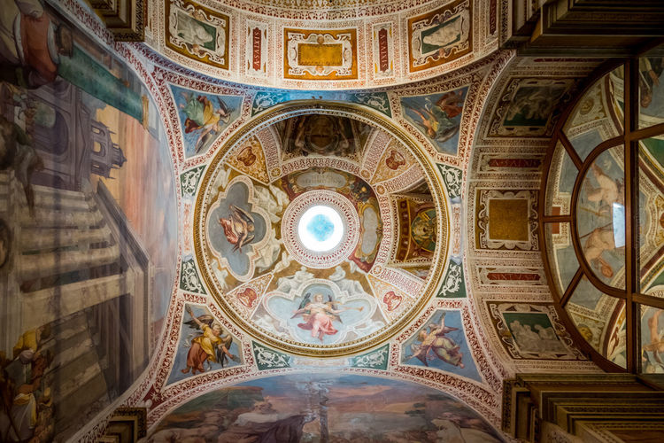 Architecture Built Structure Ceiling Low Angle View Dome Indoors  Art And Craft The Past Mural Travel Destinations Building History Cupola Directly Below Religion No People Design Pattern Fresco Ornate Arch Neo-classical