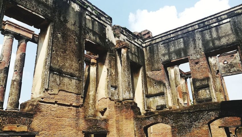 Architecture Built Structure Low Angle View Day History Building Exterior Travel Destinations Sky Outdoors No People Ancient Civilization