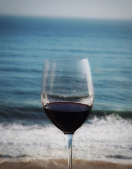 CHI CHI CHI LE LE LE VIVA CHILE 🇨🇱🇨🇱 Ready To Support 🇨🇱 V/s 🇦🇷 Game Day! Wineglass Chilean Wine Red Wine Chile♥ Copa America 2016 Grand Final Enjoying Life With Friends Reñaca Beach , Chile