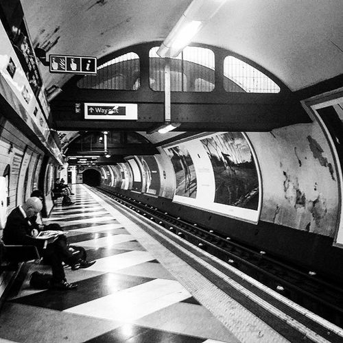 5.40 A.M Waterloo Station. Commuters. Waterloo London Londontranspot Southbank Commuters Travel Underground Londonunderground B &w Blackandwhite Blackandwhiteinstagram Train Trains Travels Traveling Commute
