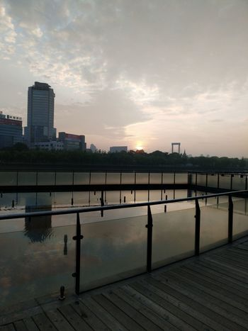 Jogging Time Edenmandom Taking Photos Mobile Phone Photography Nubia Z11 Black Gold Mobile Phone Hanging Out Beauty In Nature Zhejiang,China Sunlight Sunrise Lost In The Landscape