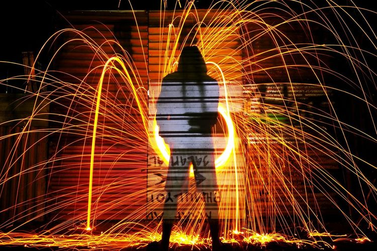 Rethink Things Long Exposure Motion Night Wire Wool Light Trail EyeEmNewHere Lightpaintingphotos LightPainters Speed Be. Ready. A New Perspective On Life Capture Tomorrow