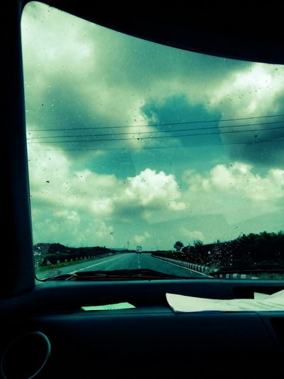 Feel The Journey Rainy Days Mein Automoment