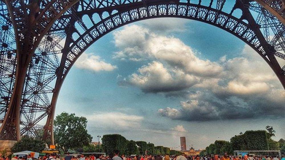 에펠탑 밑에서 Effeltower 파리 France 구름 풍경스타그램 풍경 사진 하늘 Bestoftheday Photo Follow4follow F4F Likesforlikes Likes Snapseed 맞팔 소통