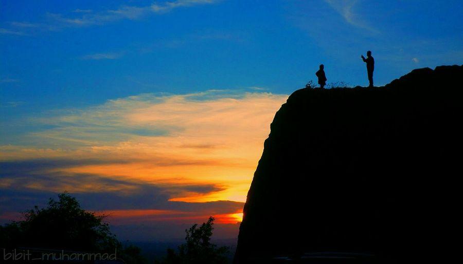 Senja itu.... Couple Sunset Yogyakarta Wonderful Indonesia First Eyeem Photo