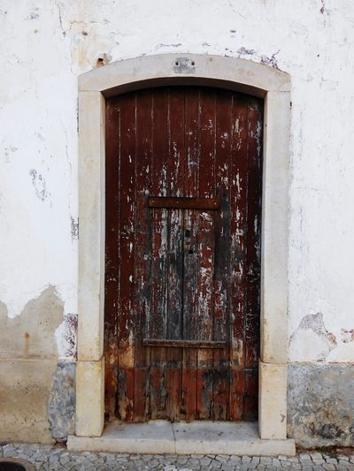 Door Architecture Built Structure Weathered Window No People Doorway Building Exterior Day Outdoors Golf Club Close-up Architecture Doors Lover Doors With Stories Ruins Architecture Ruined Building Oldbuilding Ruins House Naturelovers Old Buildings Old House Ruins_photography Old-fashioned Entrance