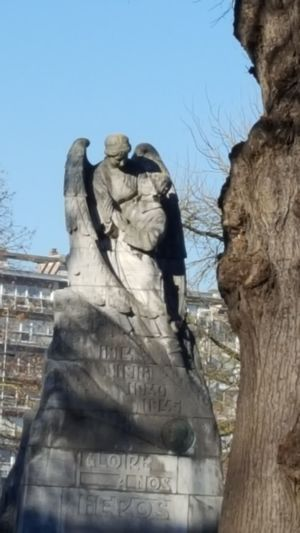 The City Light First Eyeem Photo EyeEmNewHere Statue Statue In The City Statues And Monuments Statues In The Park Statue Lover Angel Statue Angel
