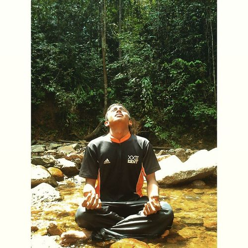 I L H A M | I N S P I R A T I O N Man in frame : @mrguty8p Igersmalaya Igersjoho Ikutcarakita Skatikubentes rakansepenjenayah daieigers forest joho johor malaysia rakansepenjenayah_c1
