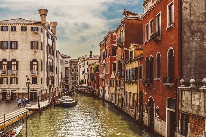 Postcard from Venice Seeing The Sights Myfirstsolotrip Venice Italy Europe European  Travel Traveler Traveling Travelingtheworld  Lovethelifeyoulive Cityscape City Lovefortravel