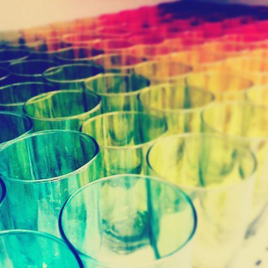 El color, lo inunda todo....vasos y besos, despues de brindar por el arcoiris.... Vaso Colores Colors Tenerife Canarias Colorful Colorporn