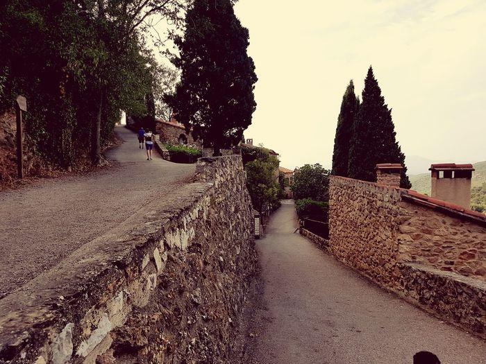 2 chemins. 2 ways. Castle Castleruin Château Calming Place