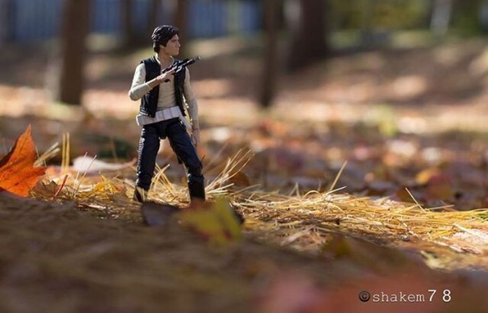 This is a older shot I did of Hansolo. I've always liked this picture. I really don't have to many I've liked that I've done lol. But this one is still good in my eyes. Simple yet perfect moment Toyaddict Photography Toyphotographer Toyphotography Toysoutdoors Hansolo Starwars Blackseries