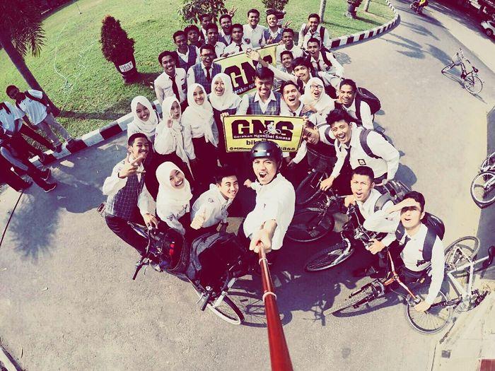 GNS Smasa16 Cycling School Taking Photos Comunity