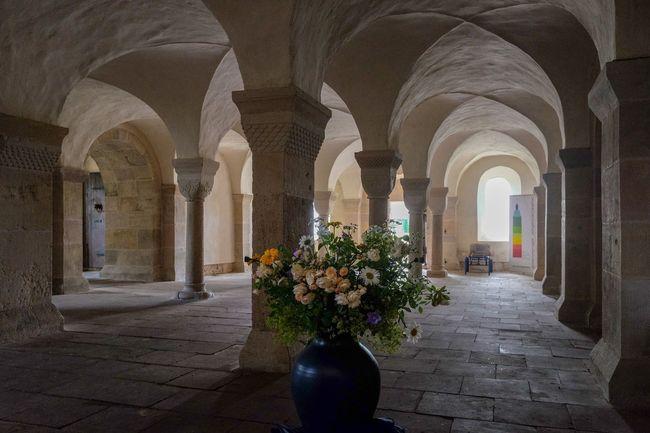 Gewölbe Klosterkirche Licht Und Schatten Lippoldsberg Arch Architectural Column Architecture Built Structure Corridor Day Flower History Indoors  No People Säulen