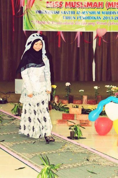 Fitri{} Muslim Woman