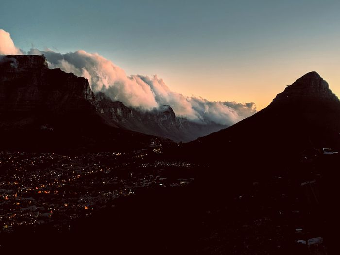 Cloudy sunset at Cape Town. Teampixel Pixel2 Cape Town Cape Town, South Africa South Africa Table Mountain Sunset City Lights City Nature Mountain Sunset Astronomy Snow Sky Landscape