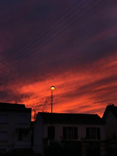 Couleurs d'un incendie Architecture Building Exterior Built Structure Sky Building Cloud - Sky Sunset Orange Color No People City Street Dramatic Sky House