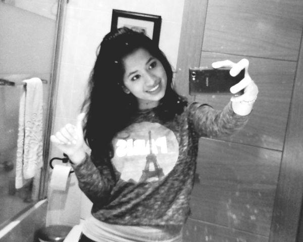 Buenos días! Good morning=) Beautiful ♥ Blackandwhite Photography People Photography Smile ✌