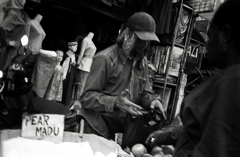 Daily Life Daily Activities Street Photography Jakarta INDONESIA People Market 35mm Bw City Filmphotography