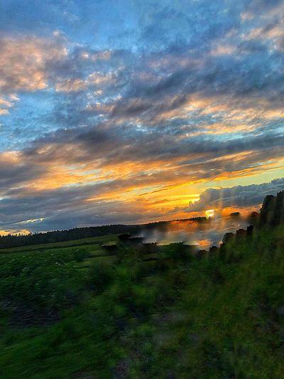 Beautiful Sky❤ Beautiful View Landscape_photography Landscape Horizon Sunset And Clouds  Sky Beauty In Nature Sunset Scenics - Nature Cloud - Sky Landscape